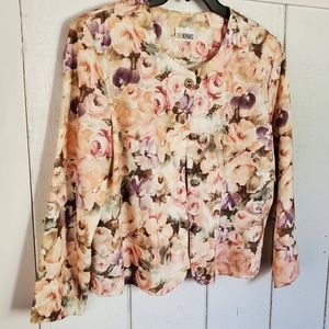💥PERFECT FOR SUMMER💥 SWEET LITTLE FLORAL JACKET